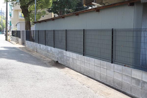 塀の修理・工事を行いました